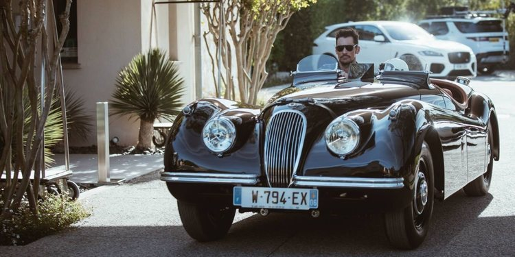 Jaguar XK120 Roadster del modelo David Gandy