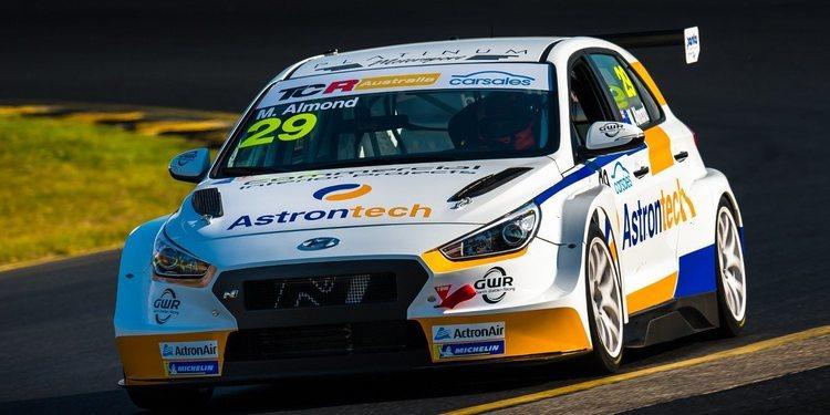 Michael Almond lidera la primera sesión de las TCR Australia 2019