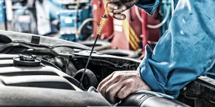 Cómo actuar en caso de fuga de aceite del motor