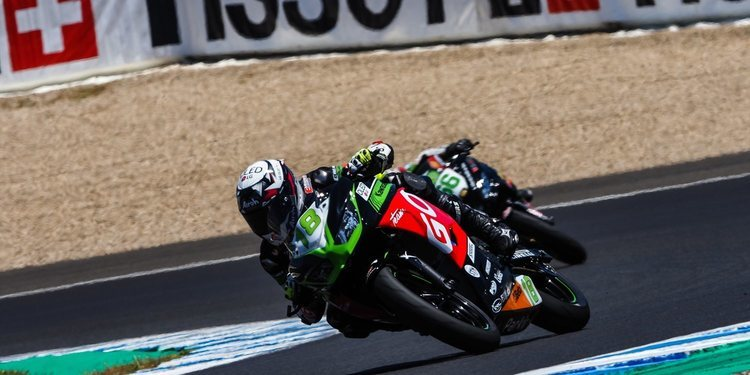 Manu González no descansa y domina en Jerez