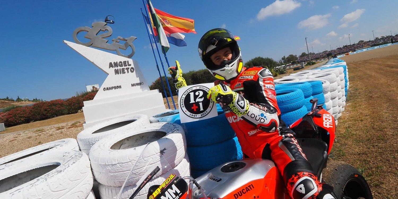 Álvaro Bautista vuelve a dominar en Jerez