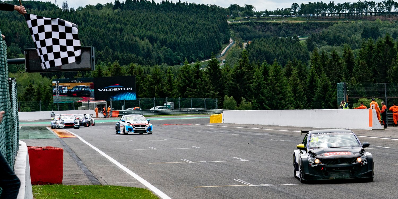 Tercera victoria de Julien Briché que lidera con su Peugeot