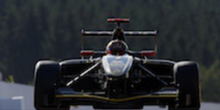 Daniel Abt gana las cuatro vueltas de la primera manga de Spa