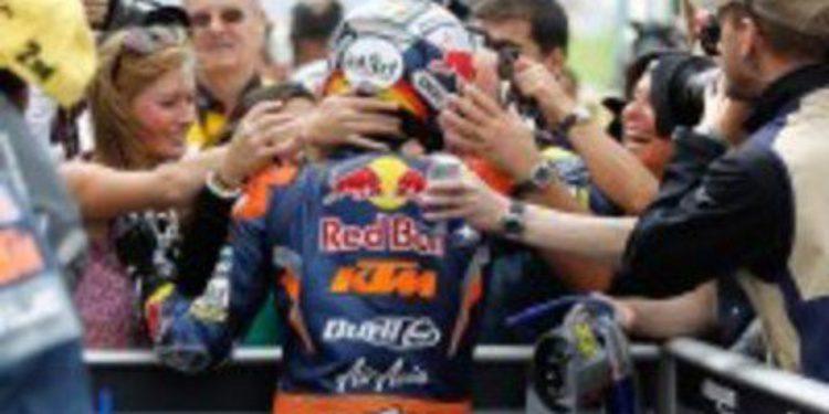 Sandro Cortese confirma su salto a Moto2 en 2013