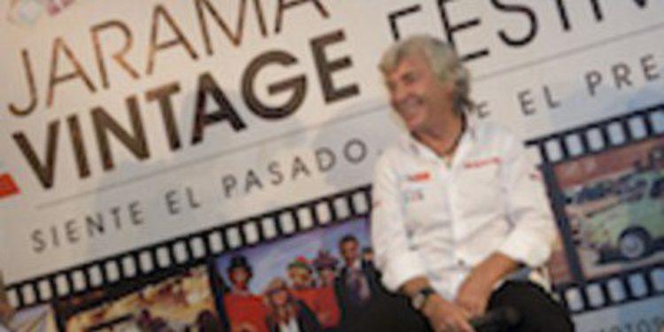 Ángel Nieto ejerce de maestro de ceremonias en la presentación del Jarama Vintage Festival 2012