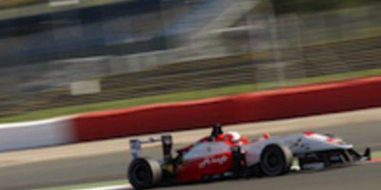 Doblete de poles para Alex Lynn en Silverstone de cara a la penúltima prueba del Británico
