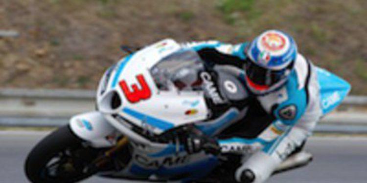 Simone Corsi se hace con la primera pole de su carrera en Moto2