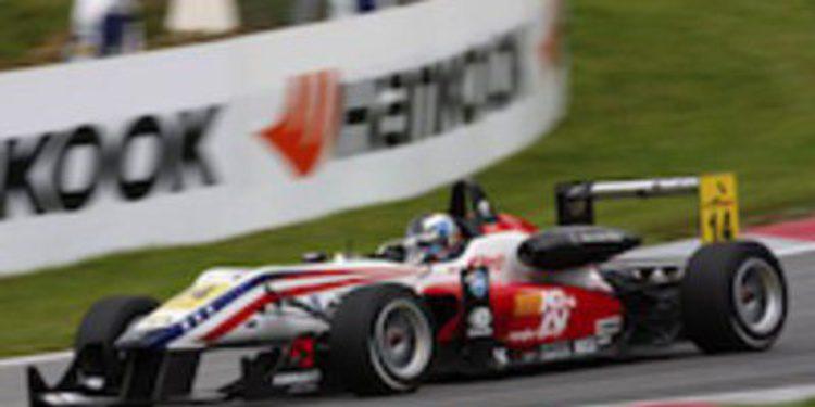 Michael Lewis consigue su primera victoria en Euroseries en la carrera corta de Cheste