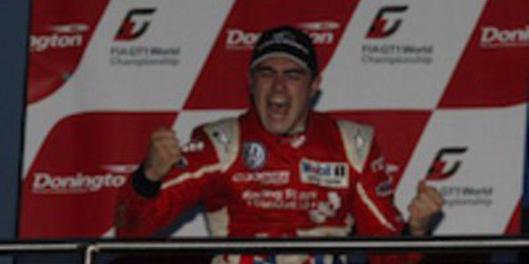 Jack Harvey gana la última manga del Británico en Donington y es el nuevo campeón