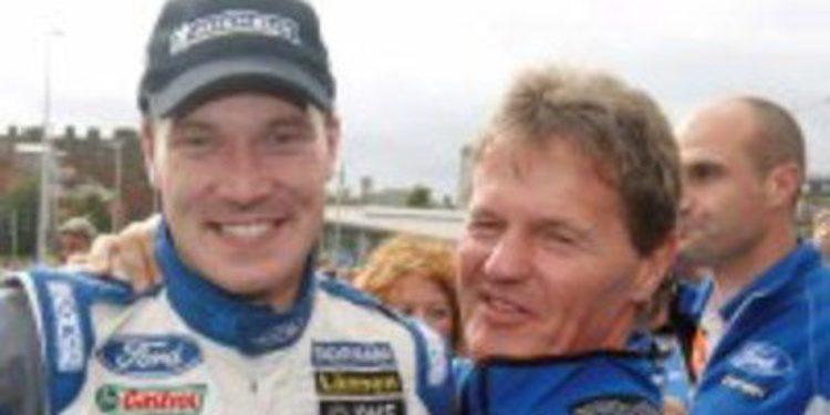 Latvala no da pistas en la rueda de prensa del Rally de Francia