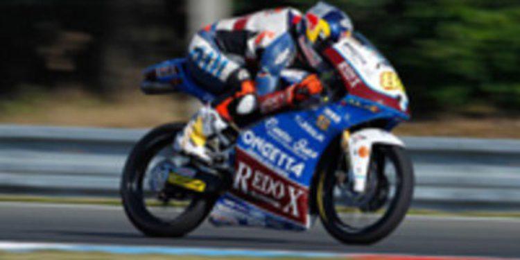 Jakub Kornfeil ocupa el hueco en el equipo RW Racing GP