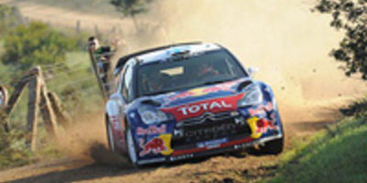 Mikko Hirvonen deja pasar los tramos de la Etapa 2 del Rally de Italia