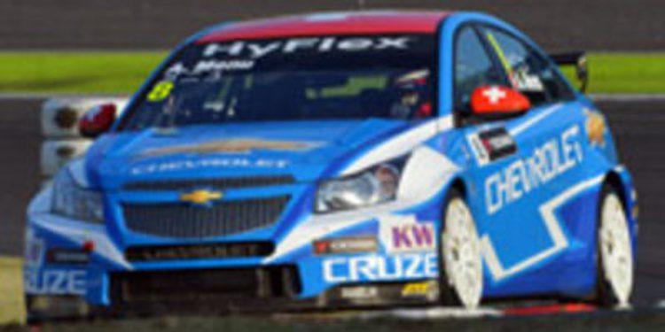 """Alain Menu: El título de constructores es """"fantástico para Chevrolet"""""""