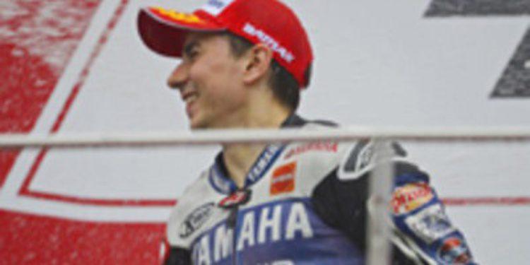 Jorge Lorenzo termina segundo con apuros en Sepang