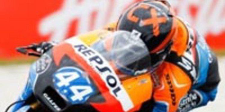 Miguel Oliveira domina los FP1 de Moto3 en Cheste