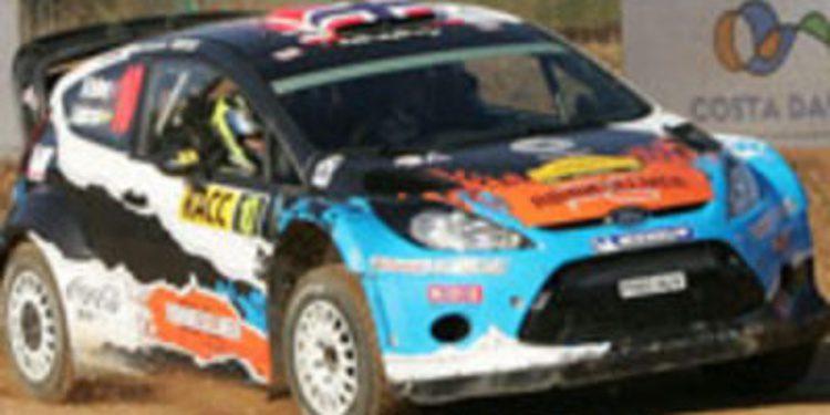 Mads Ostberg lidera entre el barro de la etapa 1 del Rally de Catalunya
