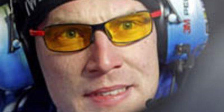 Jari-Matti Latvala prueba por primera vez el Polo R WRC