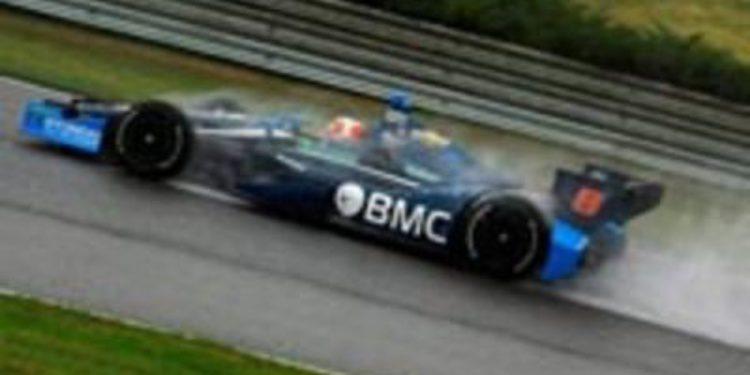 Rubens Barrichello cerca de abandonar la IndyCar
