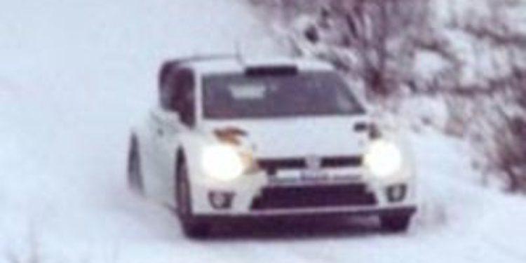 Andreas Mikkelsen y Volkswagen de test en Suecia