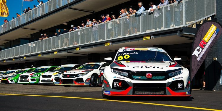 Solo tres pilotos para Wall Racing en The Bend