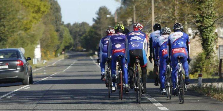 Cuándo o cómo adelantar ciclistas