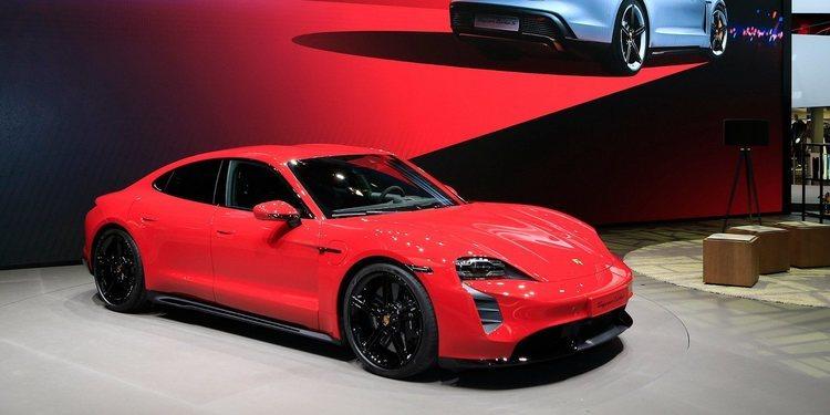 Porsche presentó el nuevo Taycan