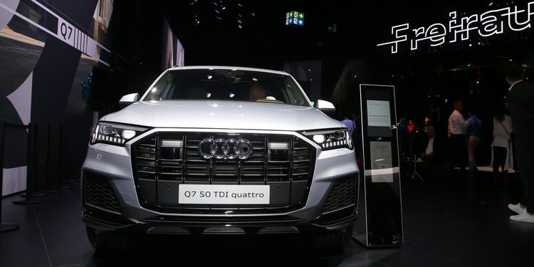 Audi Q7 facelifted