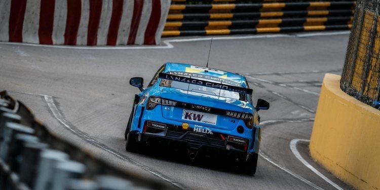 Yvan Müller se impone a Michelisz y logra la pole para la primera carrera de Macao
