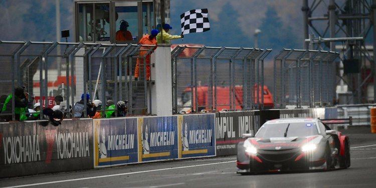 Karthinkeyan y Honda se llevan la segunda carrera conjunta entre el DTM y el SuperGT