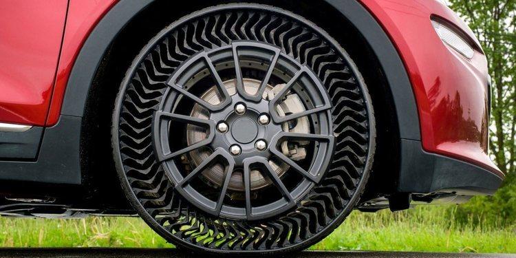 Neumáticos sin aire de Bridgestone para bicicletas y camiones