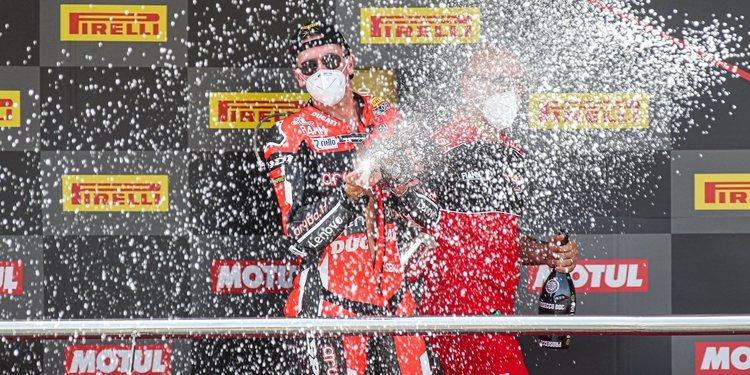 Scott Redding gana con autoridad en Jerez y Chaz Davies completa el doblete de Ducati