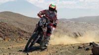 Los españoles en motos sobreviven y llegan a la jornada de descanso del Dakar 2013