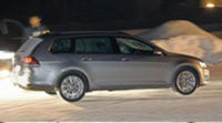 El nuevo Volkswagen Golf Variant, se deja ver semi-desnudo