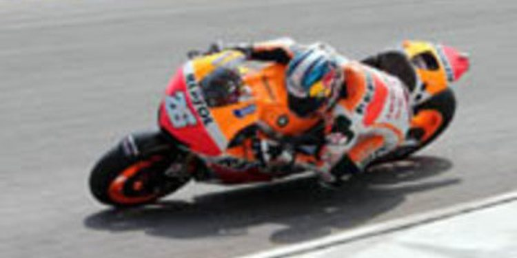 Pedrosa es el más rápido y Márquez se cae en la tercera jornada de test