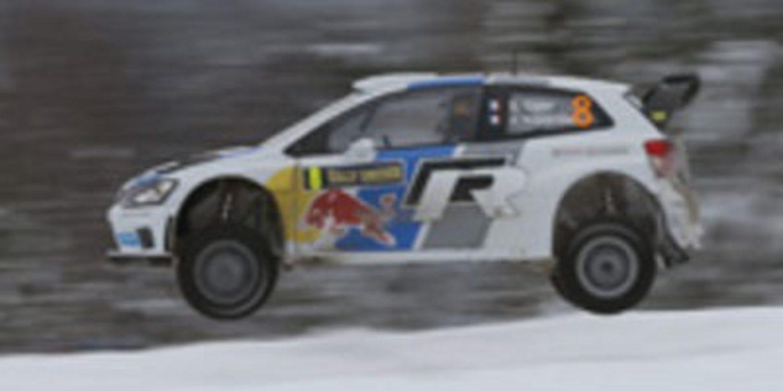 Sebastien Ogier surca grácil la primera etapa del Rally de Suecia