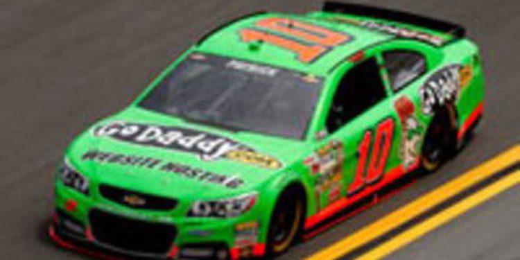Danica Patrick se lleva la pole en Daytona