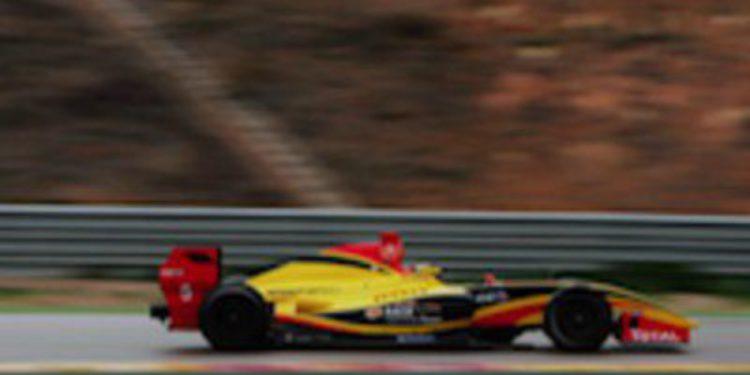 Stoffel Vandoorne comienza con buen pie su andadura en Fórmula Renault 3.5