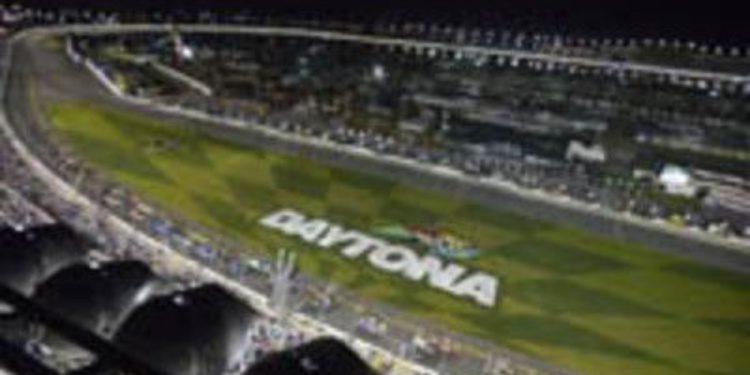 Johnny Sauter se venga en Daytona