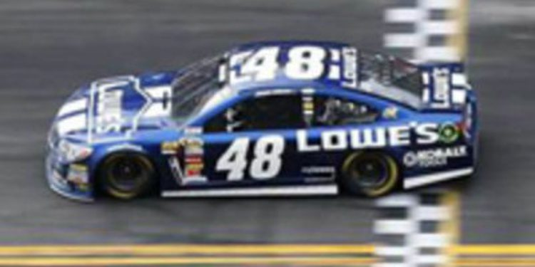 Jimmie Johnson gana las 500 millas de Daytona 2013