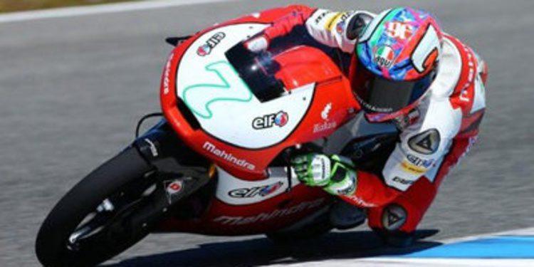 Mahindra Racing posa en el pitlane de Jerez