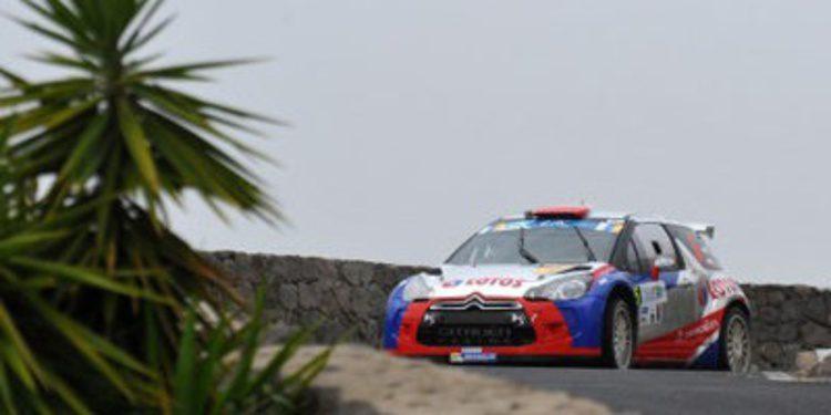 Robert Kubica regala a Jan Kopecký el Rally Islas Canarias