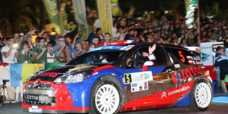 Robert Kubica recibe el Colin McRae ERC Flat Out Trophy