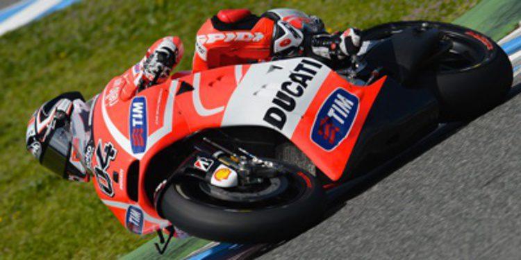 La lluvia jerezana oculta la posible progresión de Ducati