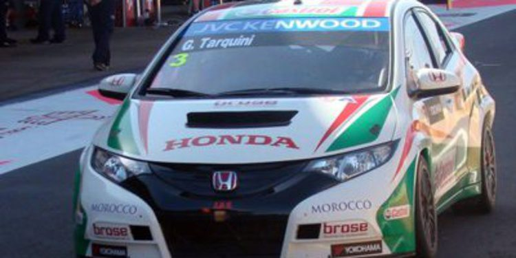 Muller domina, pero los Honda se acercan