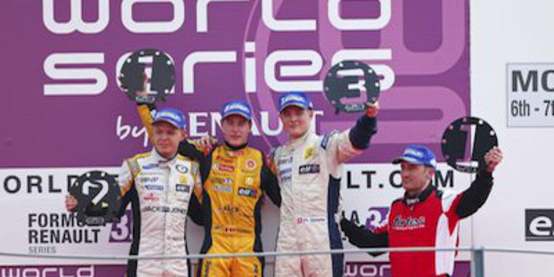 Stoffel Vandoorne aprovecha su pole y debuta con victoria en Monza
