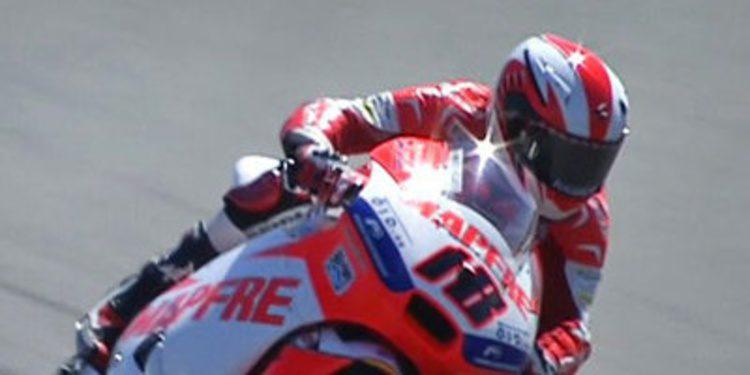 Nico Terol arriba en los FP1 de Moto2 en el COTA