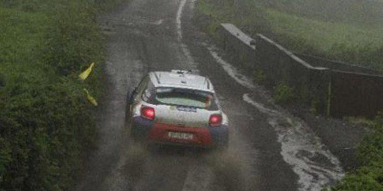 Robert Kubica duerme líder en Azores tras un efímero jueves