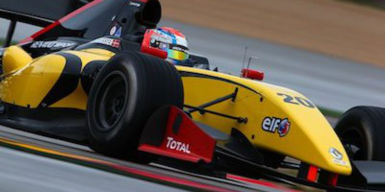Kevin Magnussen continúa sin rival en Motorland