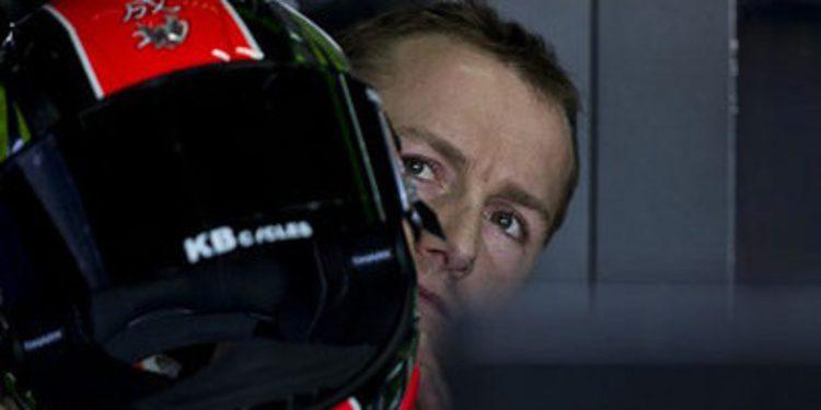 Tom Sykes gana y la lucha por el podio emociona en Assen
