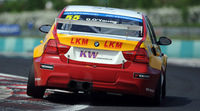 Yvan Muller gana la primera carrera del día